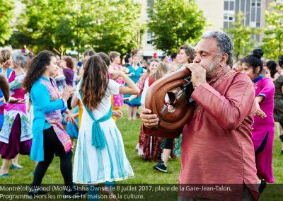 Roger Sinha (digeridoo) MoW! à Parc-Extension, flashmob danse bollywood 2017